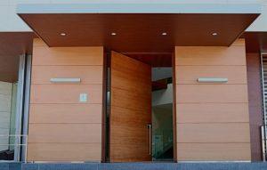 fabricante de puertas y portones de madera