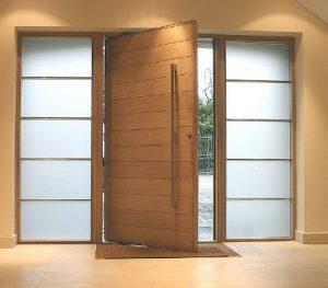 puertas de madera para interiores y exteriores