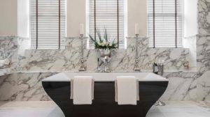 instalacion-de-marmol-en-baño-peru-300x168
