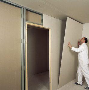 instalación de tabiqueria con sistema drywall dentro de una casa
