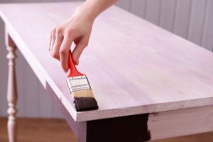 servicio de pintura de mesas de madera